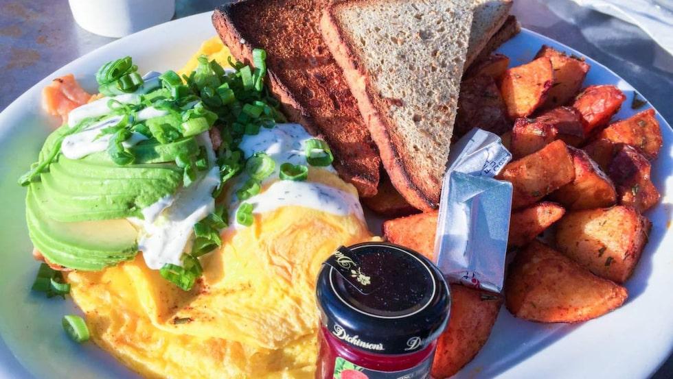Ladda med frukost före promenaden.