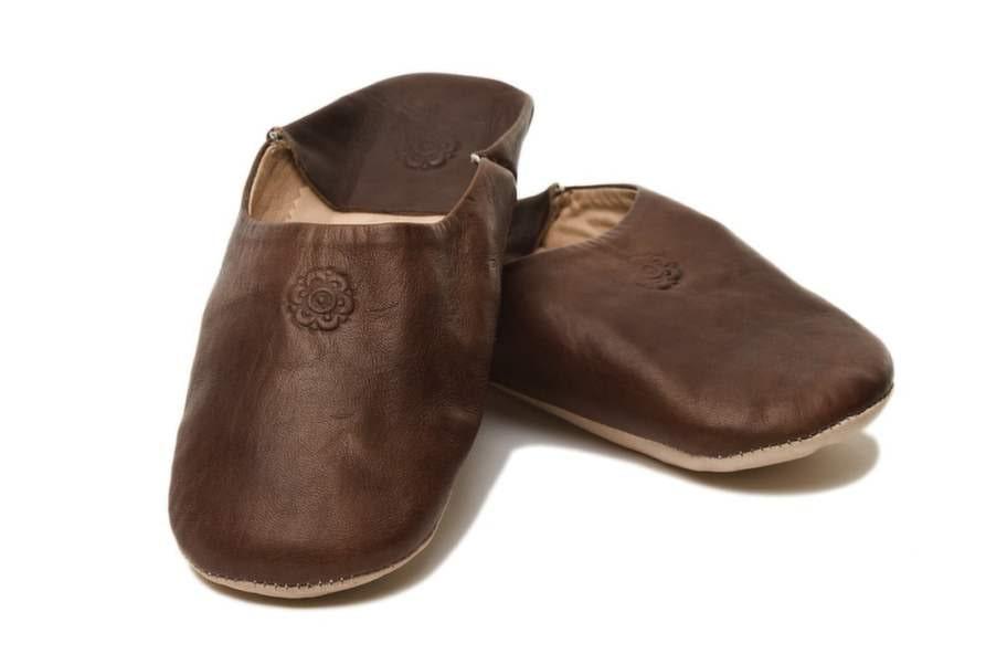 13. Varm om fötterna. Babouches-tofflor i mjukt getskinn, cirka 349 kronor, Pipols Bazaar.