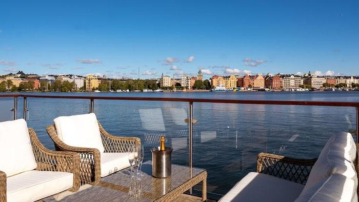 En av två terrasser.