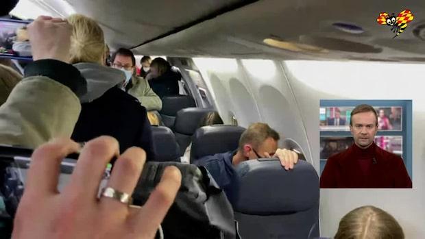 Aleksej Navalnyj har landat i Ryssland - bilder inifrån planet