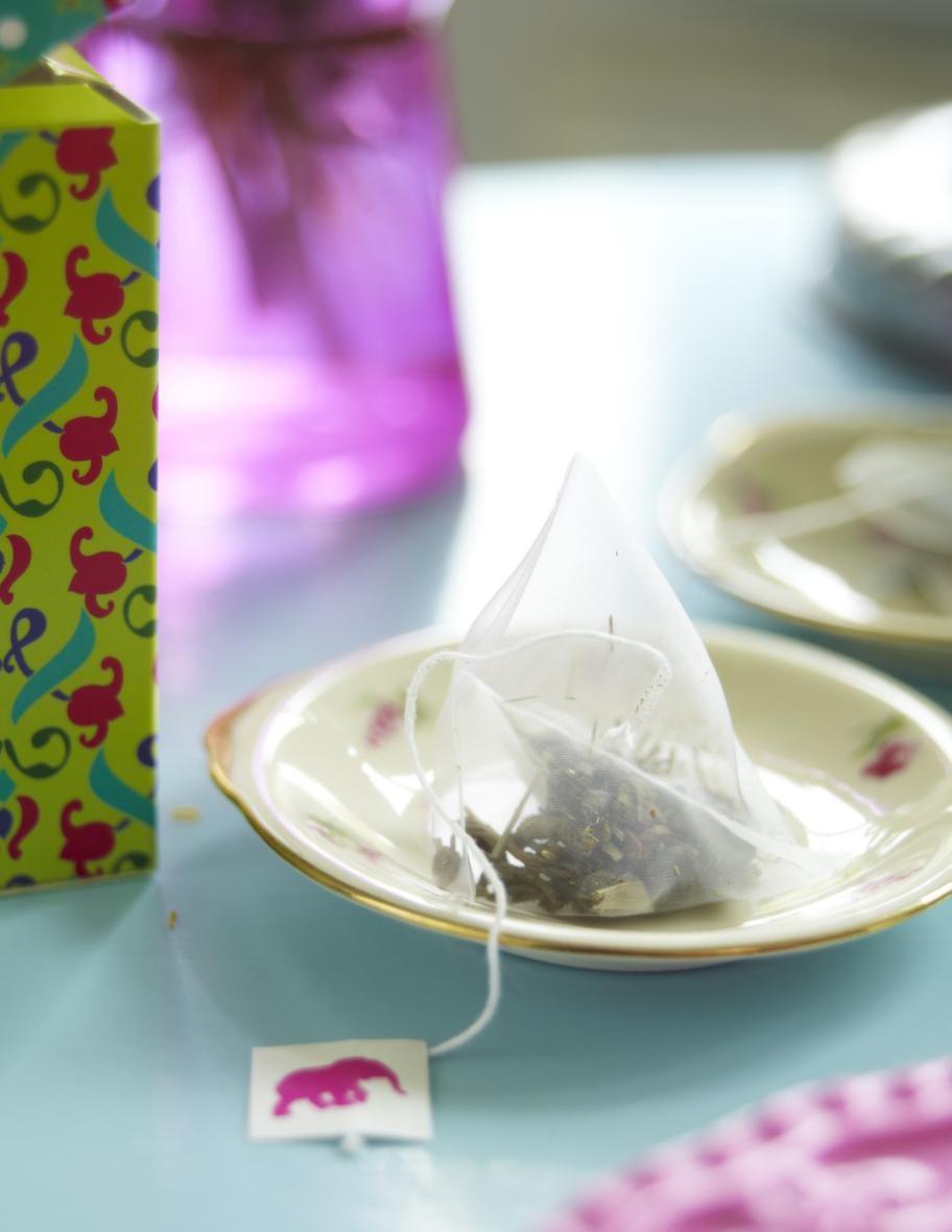 Söt tepåseTe, 49 kronor, ligger förpackat i en fin ask och har den lilla charmiga elefanten på varje påse, Indiska.