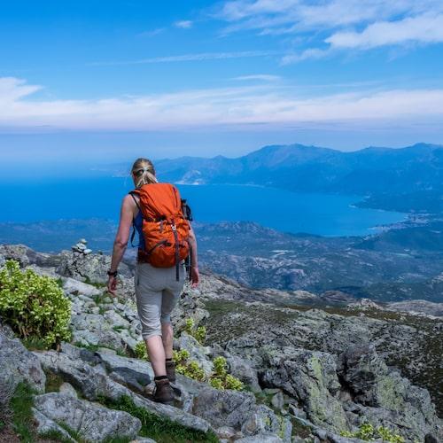 Att resa för att vandra blir allt mer populärt.
