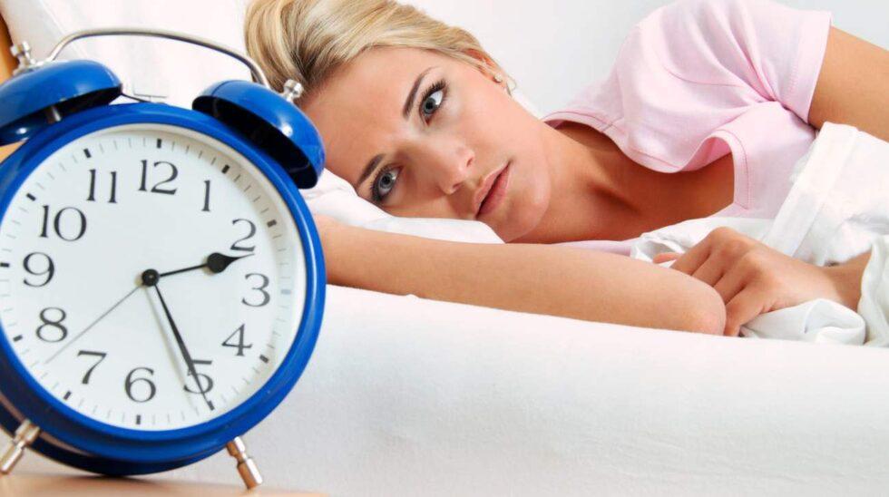 Andra lösningar när du har svårt att sova är bland annat att undvika dator, surfplatta och mobiltelefon timmarna före läggdags, samt att hålla sovrummet mörkt och svalt.
