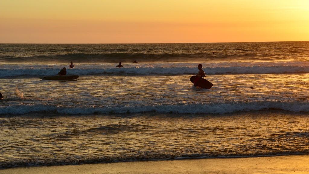 Santa Teresa är ett mecka för de som gillar att surfa, yoga och rida på de drömlika stränderna.