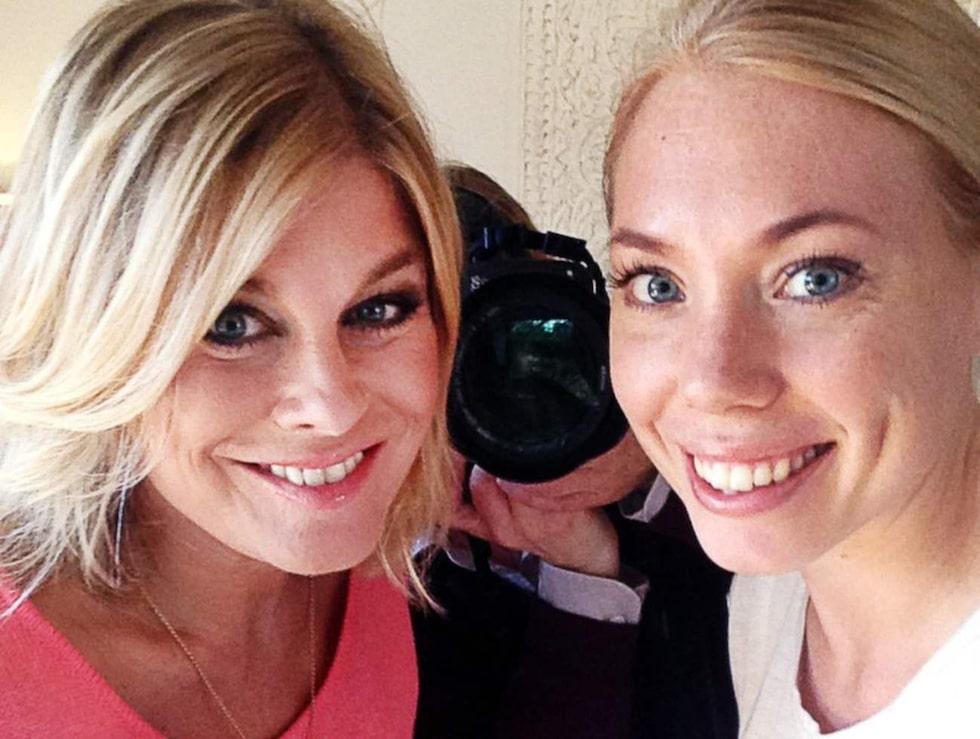 Smile! Pernilla Wahlgren tog en selfie tillsammans med Söndags reporter Anna Hegestrand.