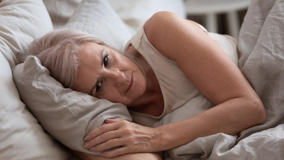 Sömnlängden kan påverka risken att utveckla demens, enligt ny forskning.