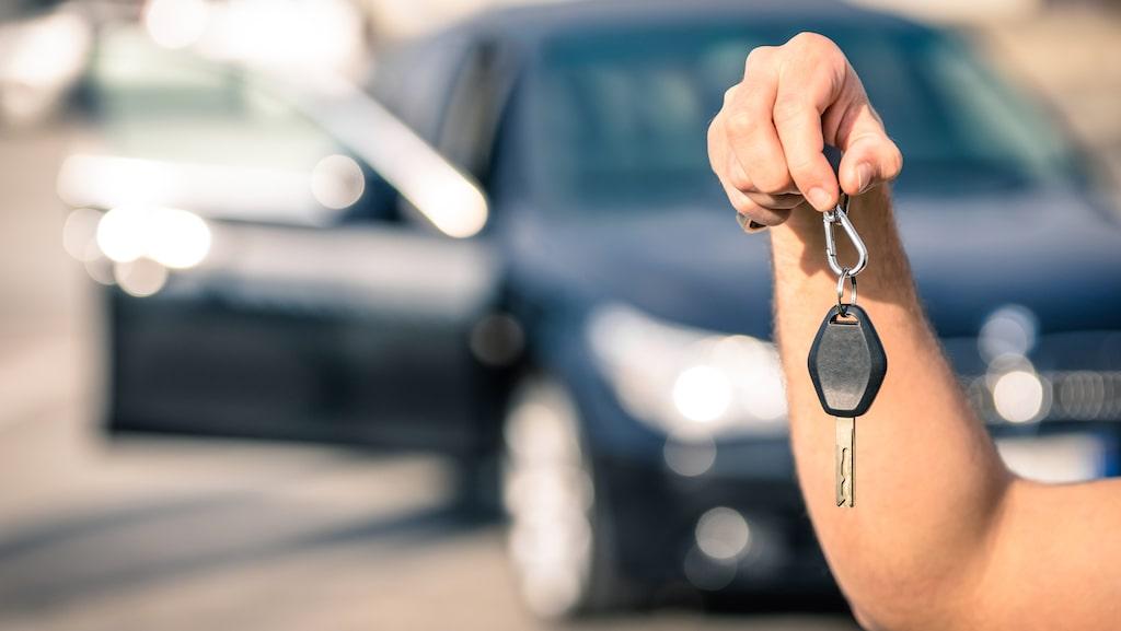 Att dela bil med andra genom en bilpool kan vara ett sätt att spara pengar och på miljön.