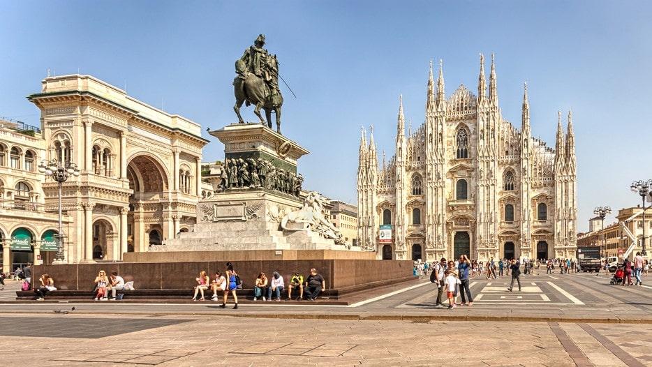 I Milano finns utmärkta enotek för den som vill tillfredsställa nyfikna smaklökar. På de flesta serverar man även mat i någon form. För i Italien dricker man aldrig vin utan att äta något till.