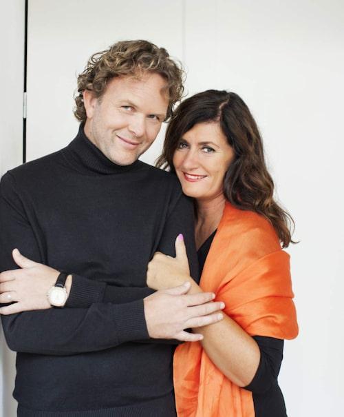 Mari Jungstedt och Ruben Eliassen är aktuella med den första delen i en kriminalserie som utspelar sig på Kanarieöarna.