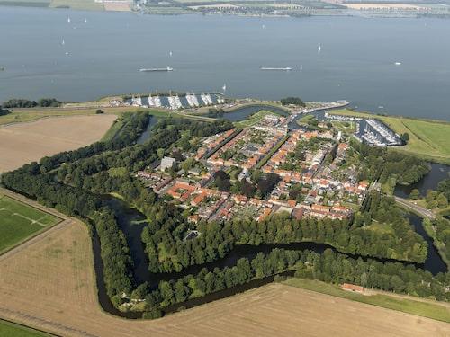 Willemstad anses som ett av de finaste exemplen på stjärnstäder i Nederländerna.