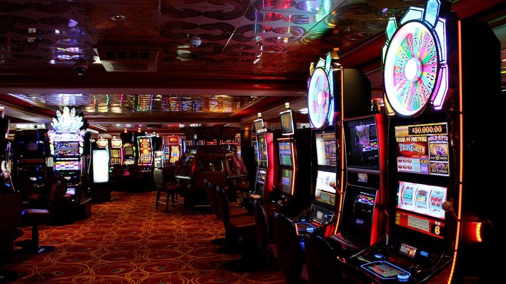 På Norwegian Pearl finns även ett casino med Las Vegas-känsla.
