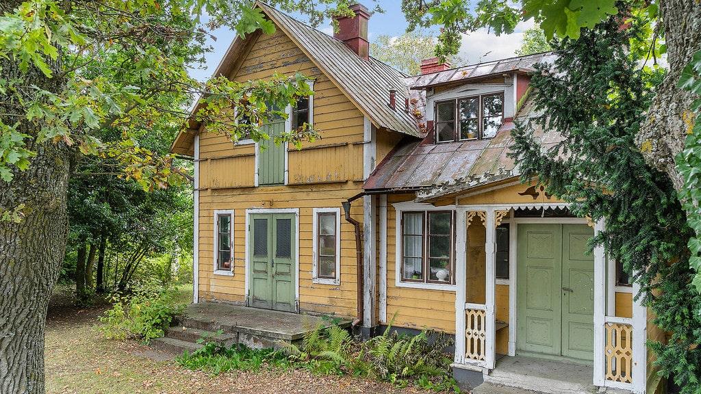 Det gamla posthuset i När på södra Gotland byggdes 1880 och är nu till salu.