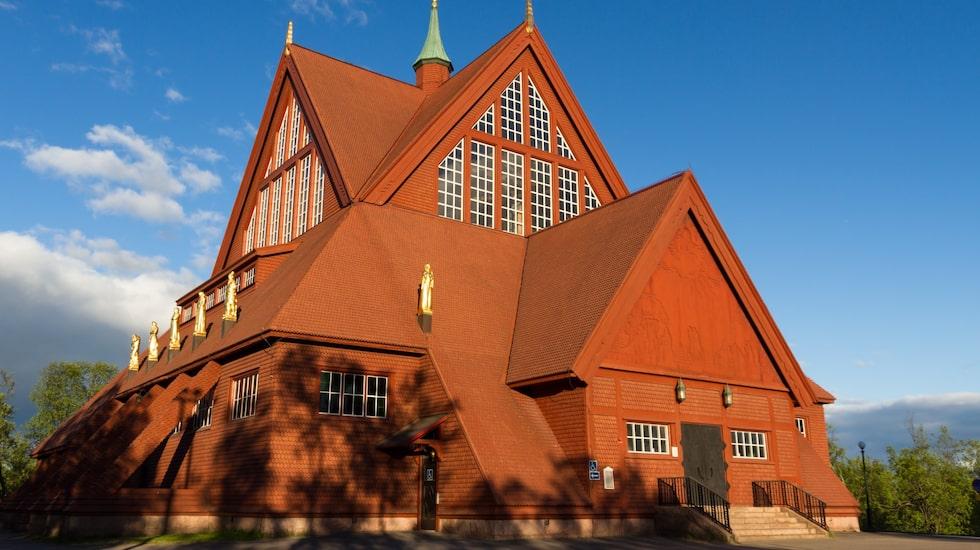 Vackra Kiruna kyrka som kommer flyttas från sin nuvarande plats med start 2025, på grund av sprickbildningar från malmbrytningen.