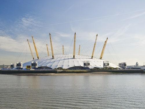 """I """"Världen räcker inte till"""" äger en uppgörelse rum på The O2 i London."""