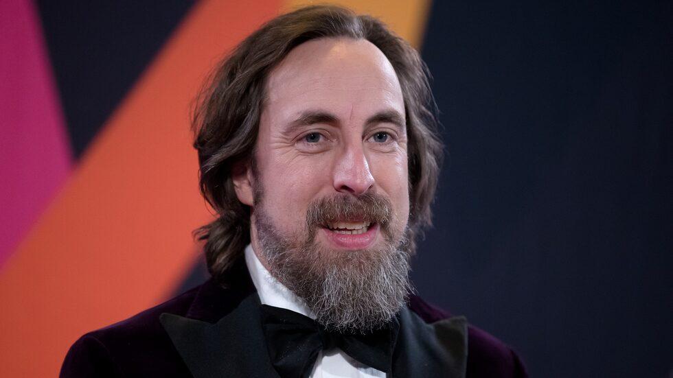 Han är komiker, skådespelare, manusförfattare – och numera är Per Andersson även programledare för Melodifestivalen.