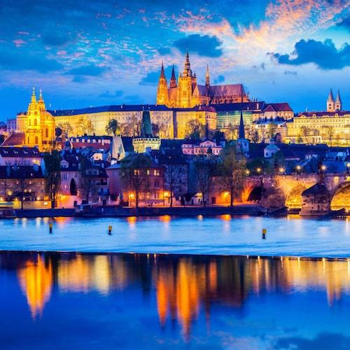 Pragborgen är ett självklart om än turistigt måste i Prag.