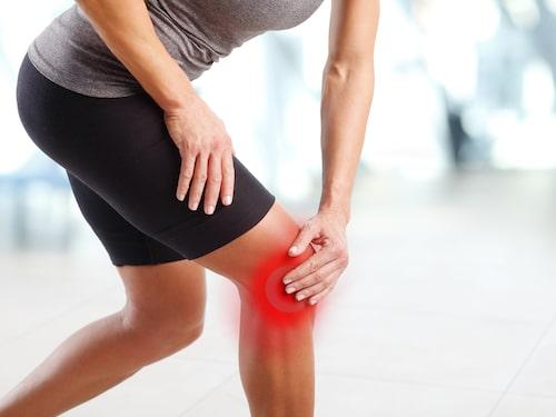 Smärta på utsidan av knät eller på nedre delen av låret kan vara ett symtom vid löparknä.