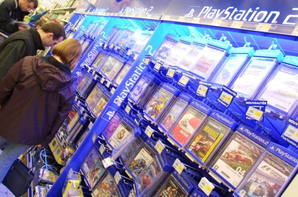 Black Friday innebär att du kan handla med rejäla rabatter. I morgon är det dags. Men flera butiker fortsätter rean över helgen. Det är vanligt att göra fynd på exempelvis spel och elektronik.