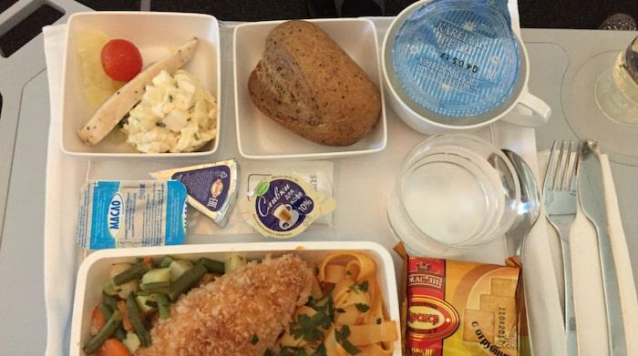 Chicken Kiev med pasta till middag.