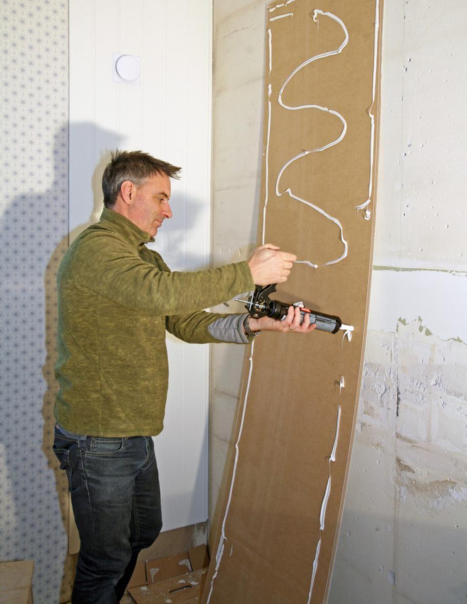 Kan limmas fast på väggarna.