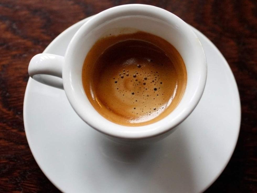 Espresso - piggar upp knopp och hår.