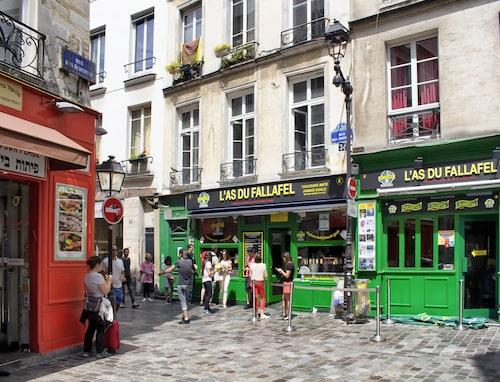 Rue des Rosier är själva kroppspulsådern i Marais.