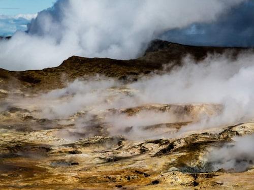 Puttrande lera, sjudande vatten och öppningar i jordens skorpa.
