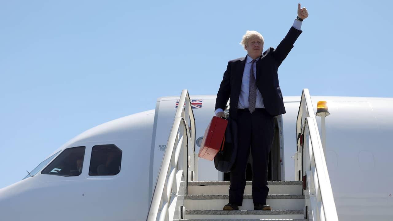 Boris Johnson hånas efter flygningen till G7-mötet