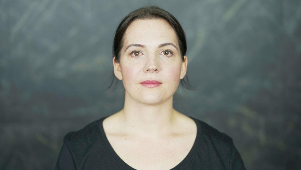 """""""Kunskap och förbättrade framställningsmetoder tillåter kortare ingredienslistor och ett giftermål mellan hudförbättrande egenskaper och pigmenterad makeup,"""" säger makeupartisten Dominika Newelska."""