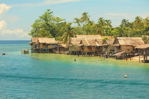 En by i provinsen Malaita på Salomonöarna.