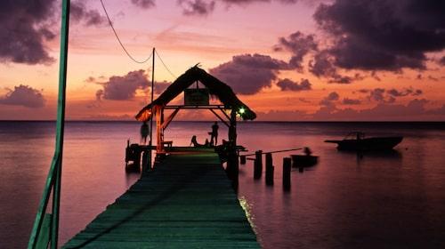 På Tobago kan du välja mellan avslappnad eller aktiv semester.