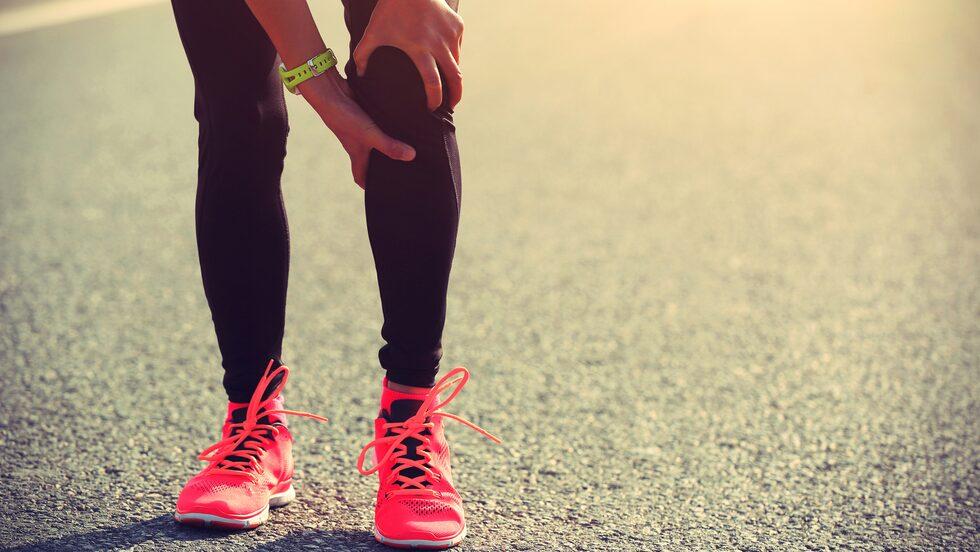 Men som med all träning så finns alltid en skaderisk. För löpare i form av exempelvis löparknä, hälsporre, kompartmentsyndrom och meniskskada.