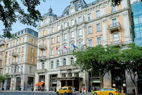 Corinthia Hotel, också känt som Grand Hotel Budapest.