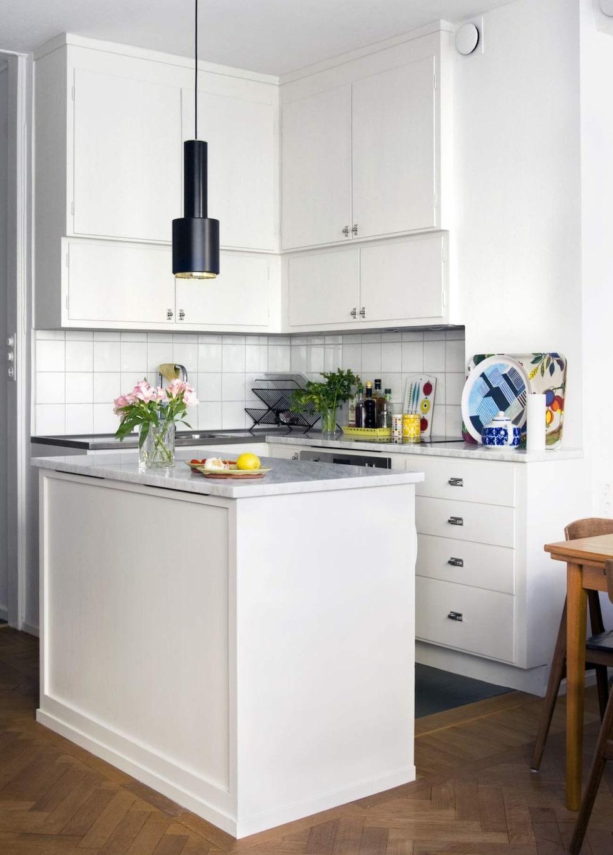 Funkiskök. Vill du ha hjälp att renovera ett gammalt kök? Byggfabriken gör platsbyggda kök efter dina önskemål, med gamla metoder och detaljlösningar.