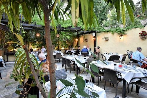 I Rhodos stad är det lätt att äta gott. Restaurang Wonder är en av många bra ställen.
