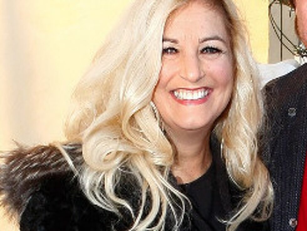 Petra Lindell hade tänkt pynta utomhus till jul och beställde en girlang till ytterdörren på nätet.