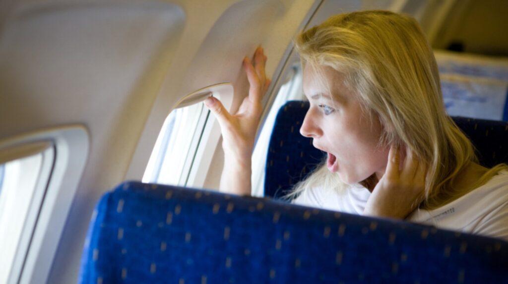 <p>Kommersiella flygplan kan flyga även om en motor skulle stanna.<br></p>