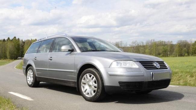 Svenskar väljer helst tyskt. Och väljer man tyskt står Volkswagen Passat högst i kurs.