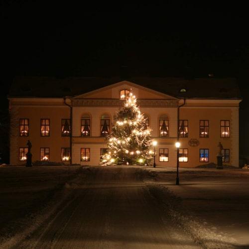 Taxinge slott utlovar endast gediget hantverk på sin julmässa.