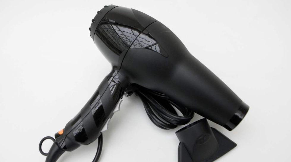 Du kan slippa plågan med hjälp av en hårtork!