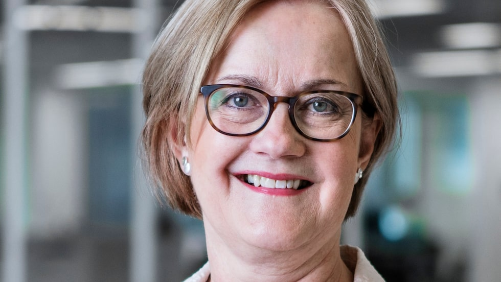 Välja alltid den lokala valutan, råder Nordeas privatekonom Ingela Gabrielsson.