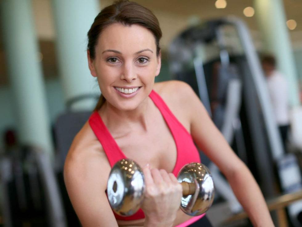 Både blodsockret och blodtrycket gynnas av några timmars styrketräning i veckan.