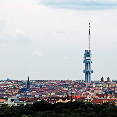 Tv-tornet i Prag är ingen skönhet - men ett måste.