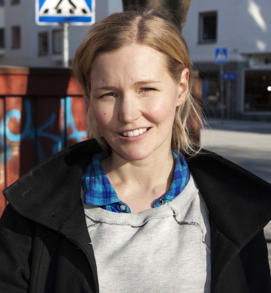 Linnéa Roxeheim, 29, Stockholm, filmregissör:- Det är ögonen som är det som fångar mig och ansiktet överlag. Min man är min drömman, den där andra känns väldigt stereotypisk.