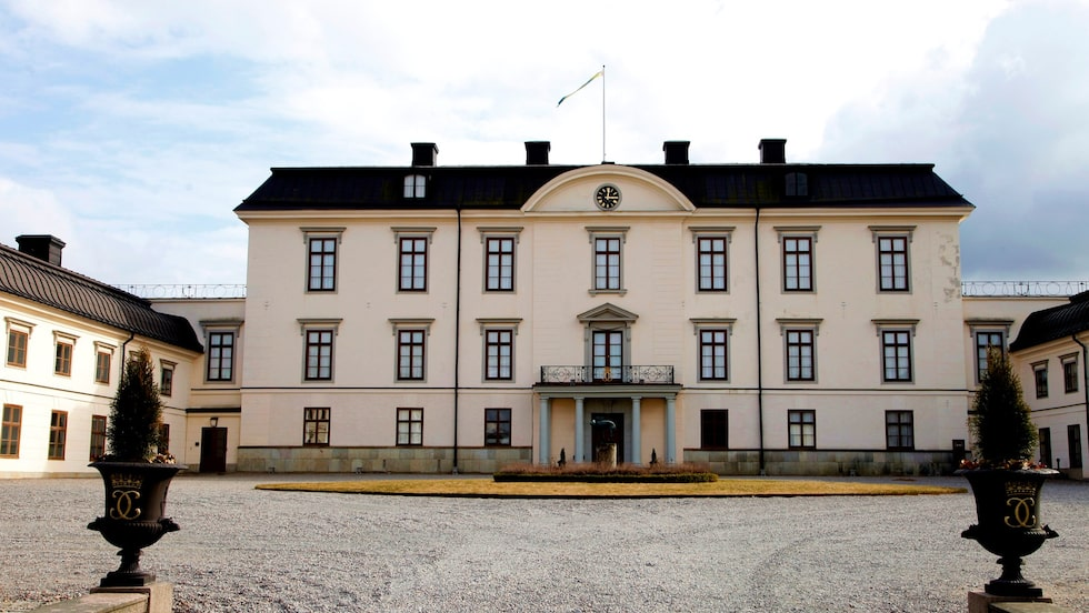 Rosersbergs slott är ett av våra tio kungliga slott och under somrarna är det guidade visningar.