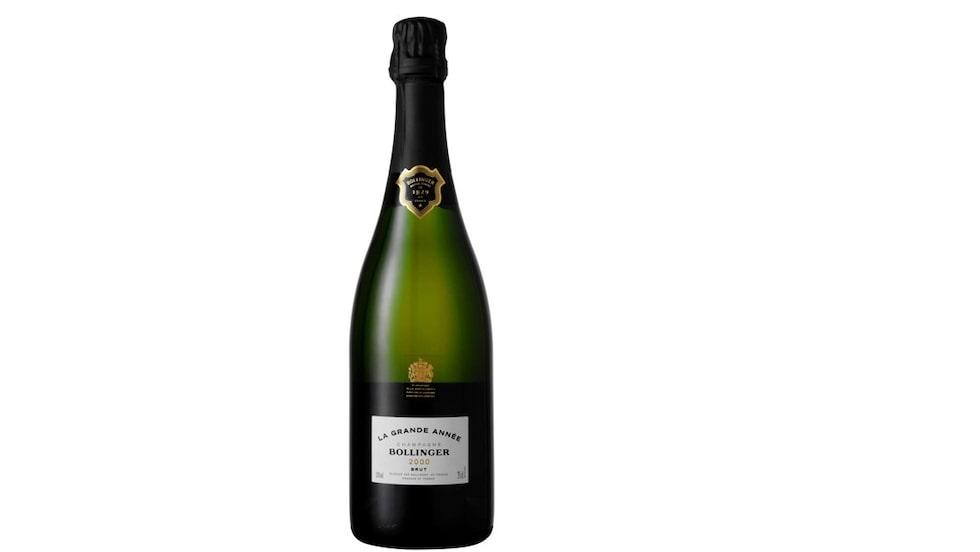 James Bond dricker gärna bubbel från champagnehuset Bollinger - härär  en variant från Systemet.