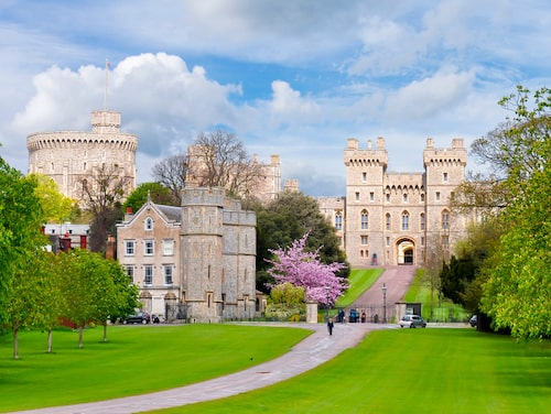 Windsor Castle gav namn åt det brittiska kungahuset.