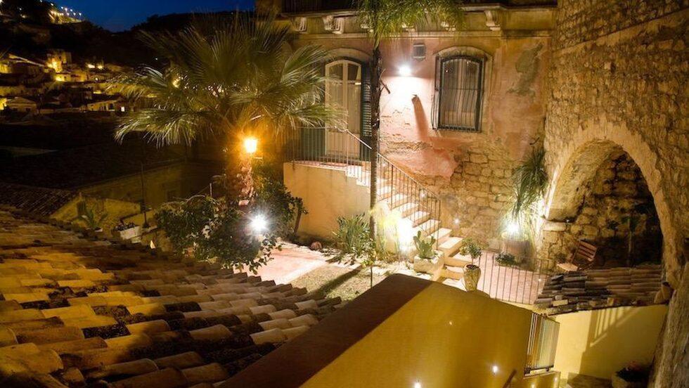 I det här fantastiska huset på Sicilien kan du bo i utbyte mot att de får bo i din bostad under tiden.