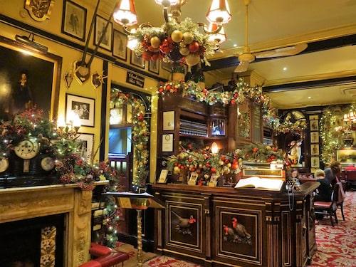 Englands vackraste pub ligger i ett gammalt bankpalats och heter Old Bank of England.