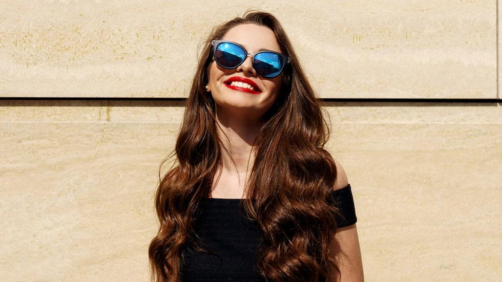 Var rädd om håret i sommar och bevara färg och glans.